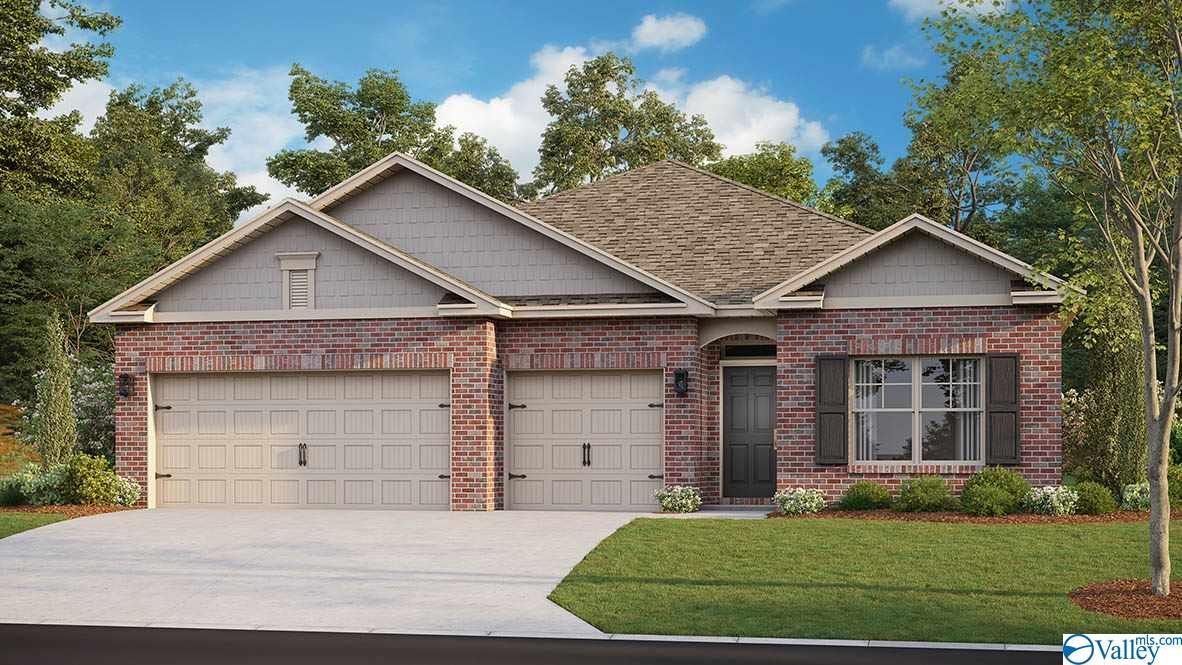 Photo of home for sale at 131 Blackburn Trace, Huntsville AL