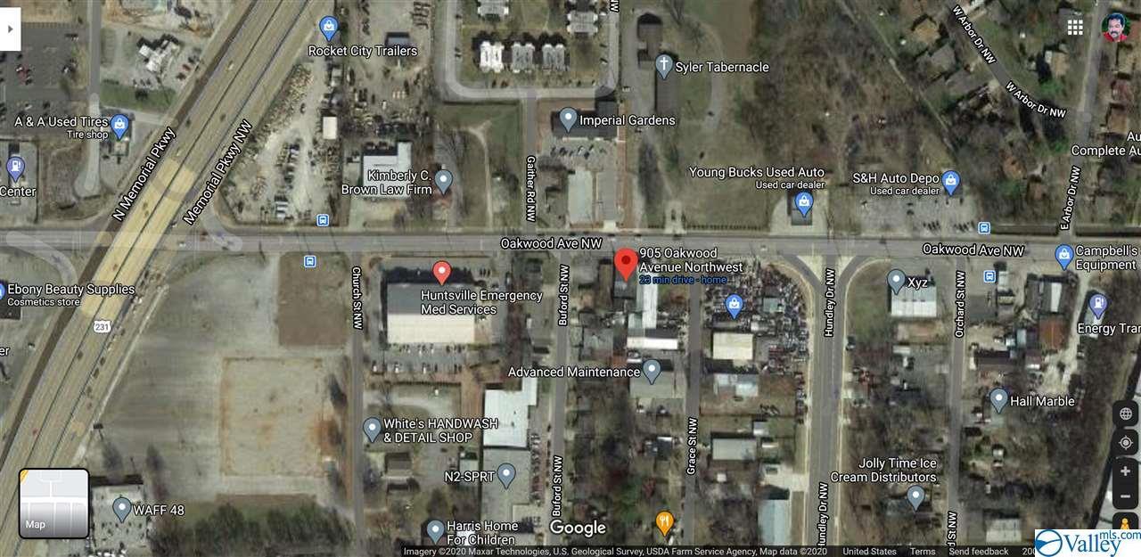 Photo of home for sale at 905 Oakwood Avenue, Huntsville AL