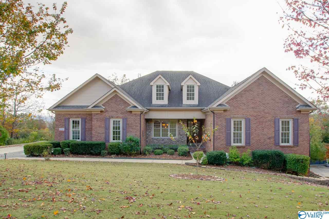 Photo of home for sale at 2114 Springhouse Road, Huntsville AL