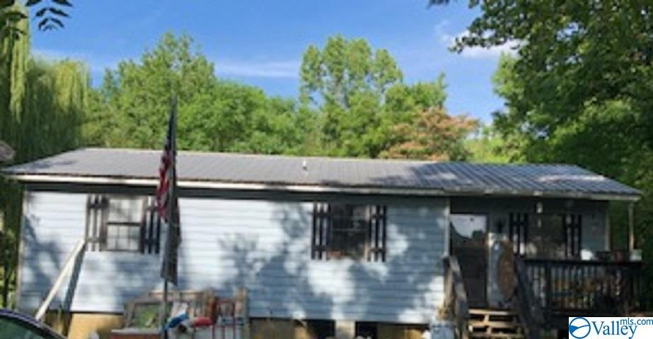 Photo of home for sale at 286 County Road 200, Danville AL