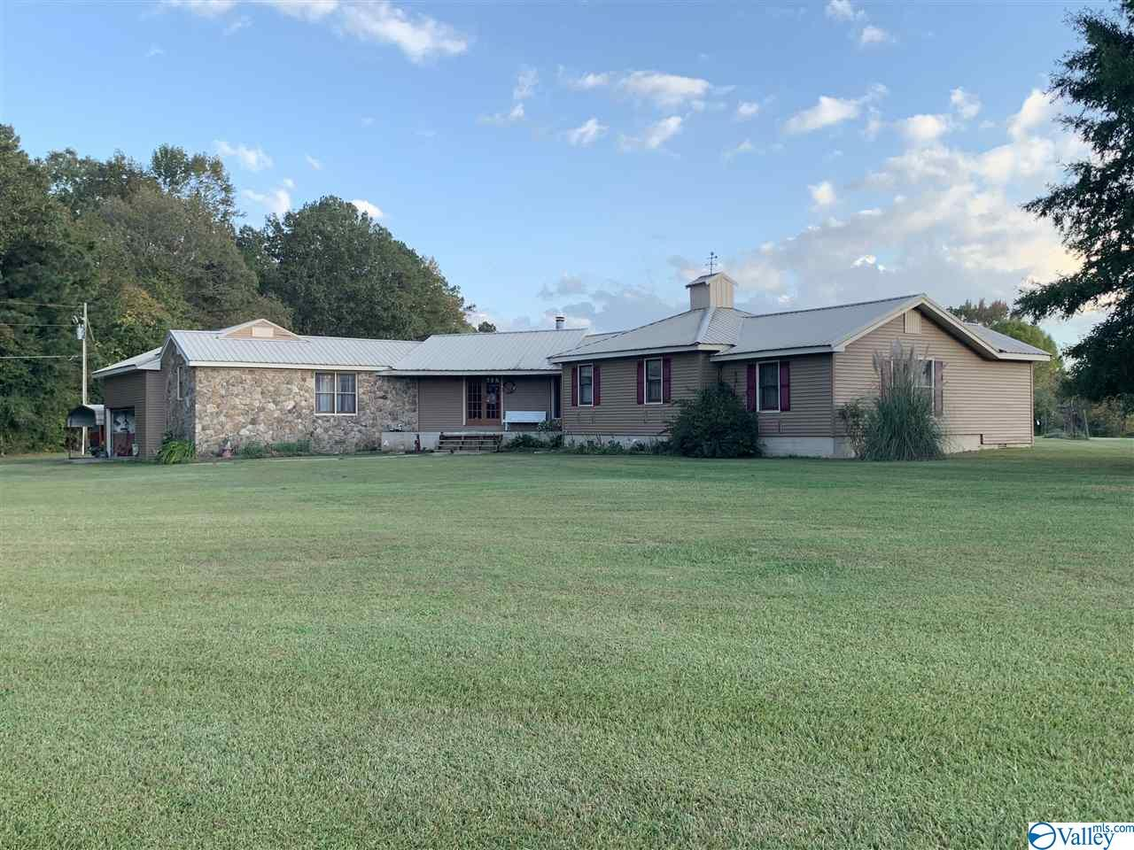 Photo of home for sale at 8770 Alabama Highway 9, Cedar Bluff AL
