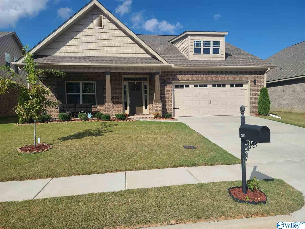 Photo of home for sale at 2430 Hobbstone Circle, Huntsville AL