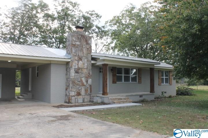 Photo of home for sale at 2494 Church Avenue, Rainsville AL