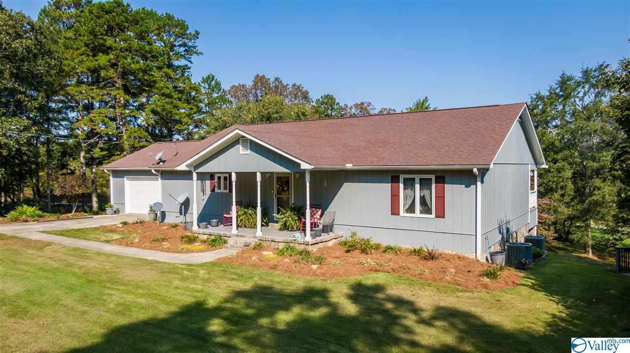 Photo of home for sale at 3138 County Road 99, Gaylesville AL