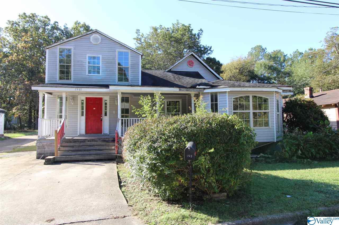 Photo of home for sale at 1511 Harlem Avenue, Gadsden AL
