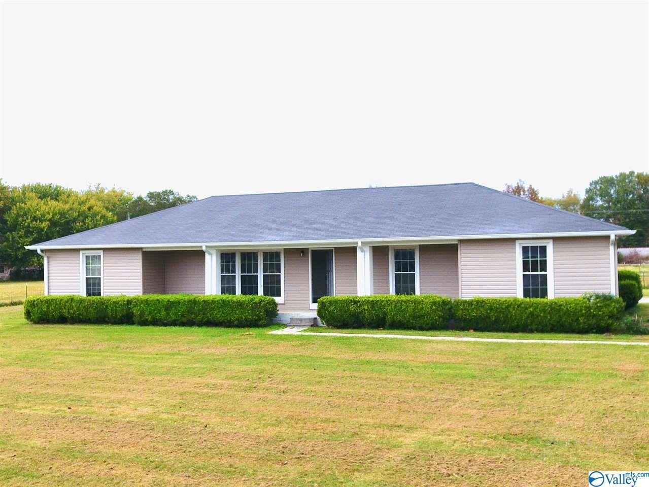 Photo of home for sale at 29445 Maddox Street, Ardmore AL
