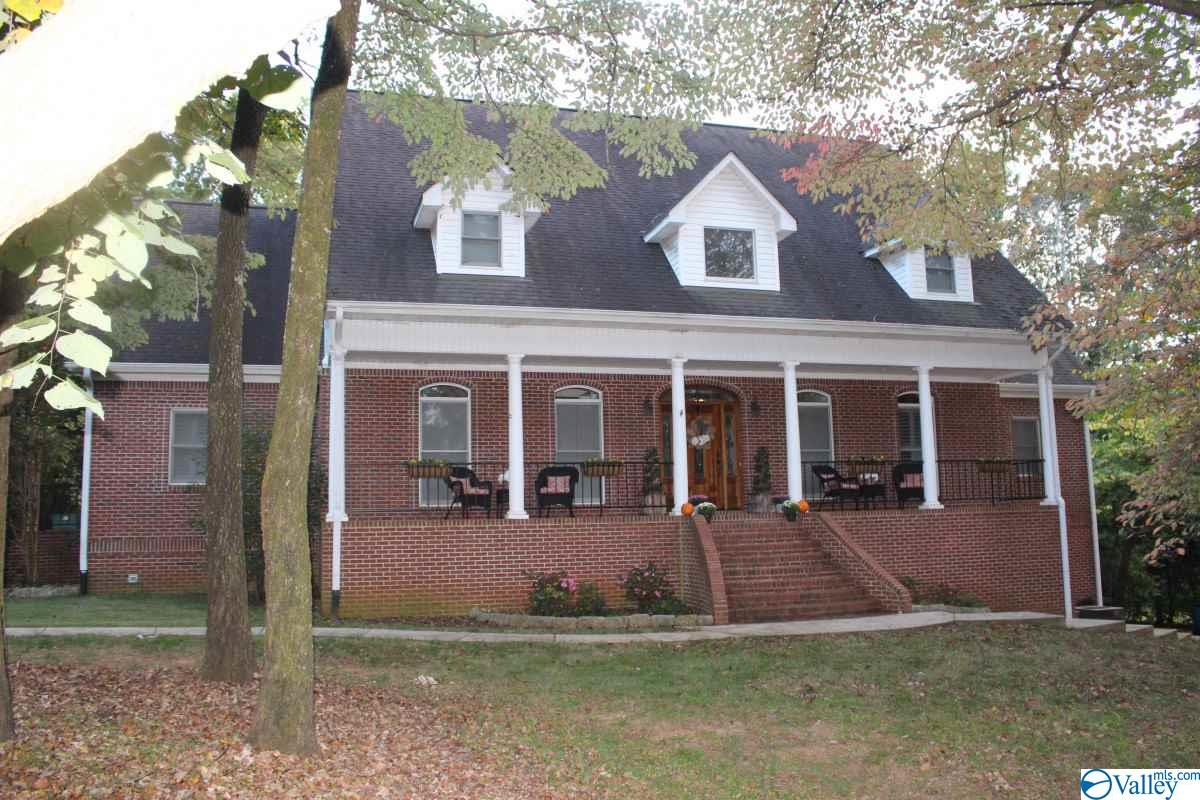 Photo of home for sale at 104 Red Cedars Lane, Harvest AL