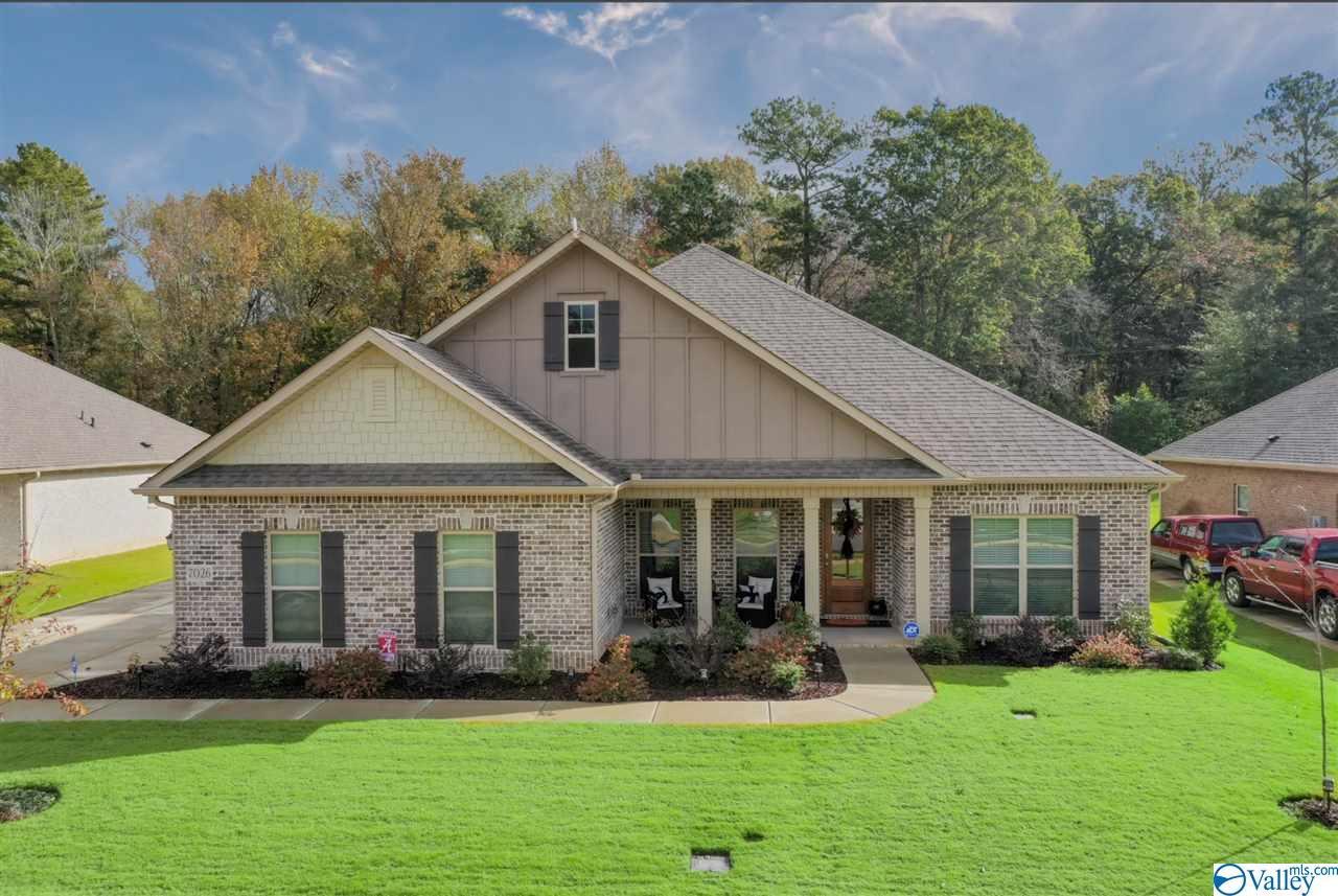 Photo of home for sale at 7026 Regency Lane, Gurley AL