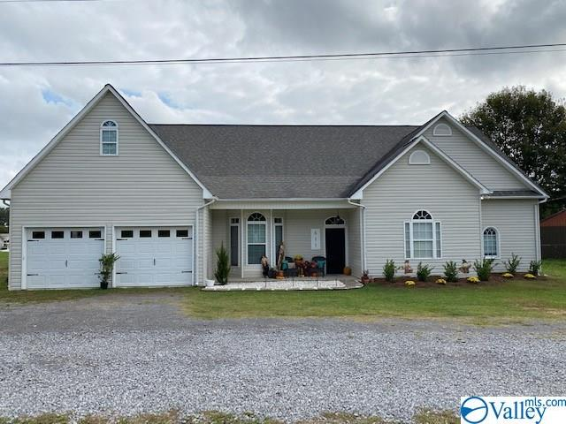 Photo of home for sale at 611 Ham Road, Albertville AL