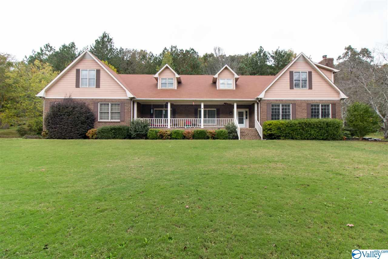 Photo of home for sale at 535 Ashley Drive, Grant AL
