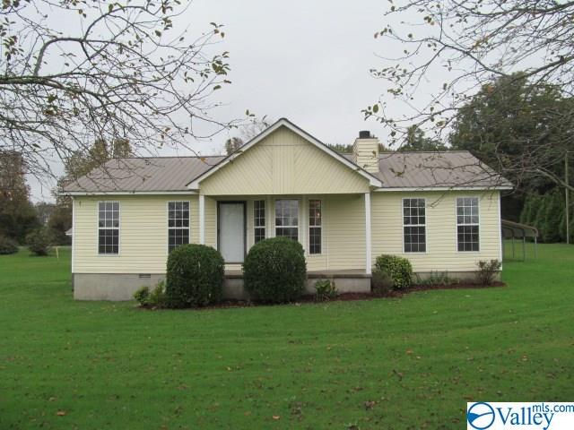 Photo of home for sale at 1883 Summerville Road, Boaz AL
