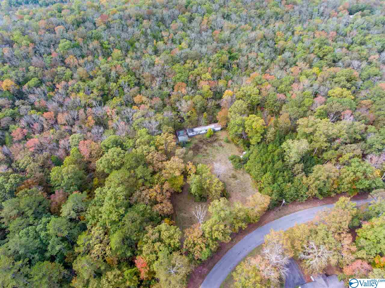 Photo of home for sale at 1836 Low Gap Road, New Hope AL