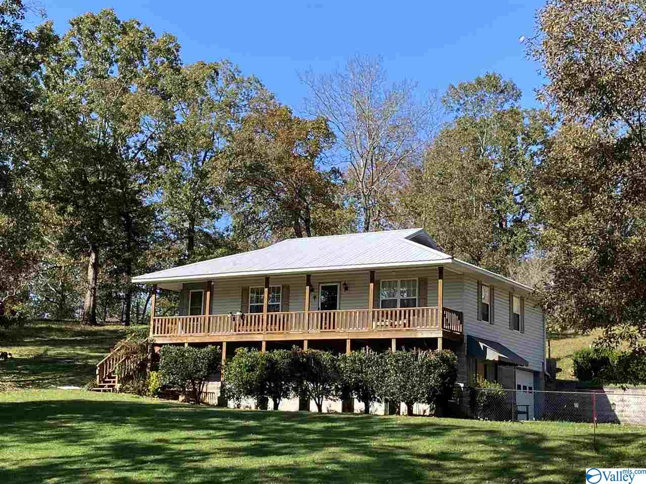 Photo of home for sale at 6190 Highway 77, Southside AL