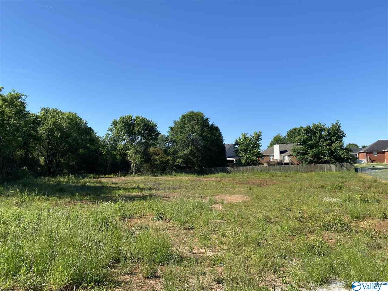 Photo of home for sale at 3302 Maysville Road, Huntsville AL