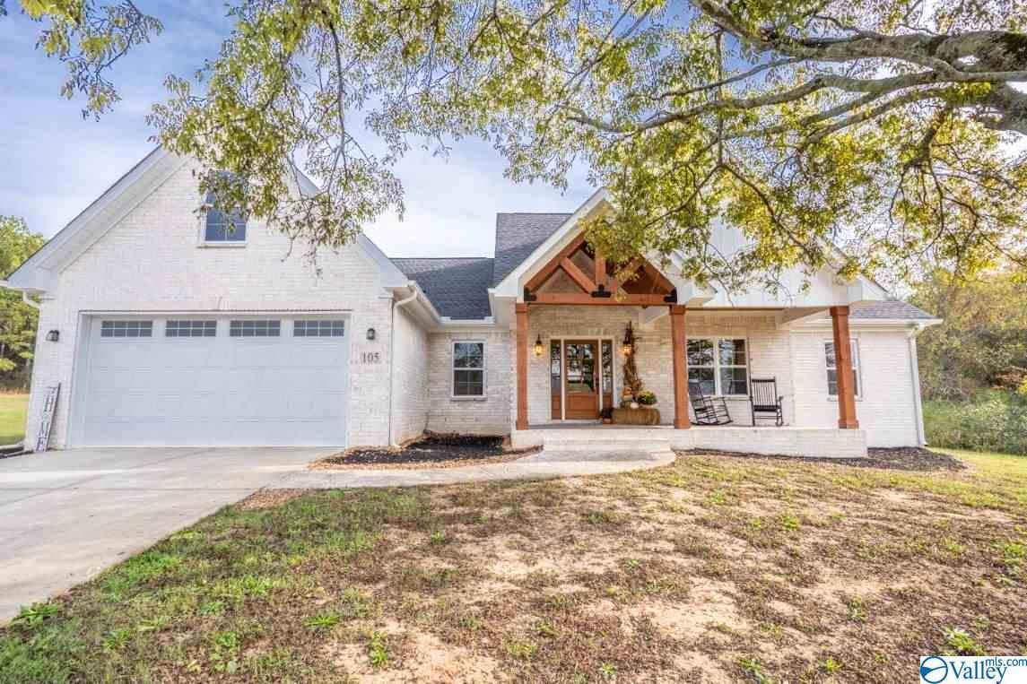 Photo of home for sale at 105 Betty Way, Scottsboro AL