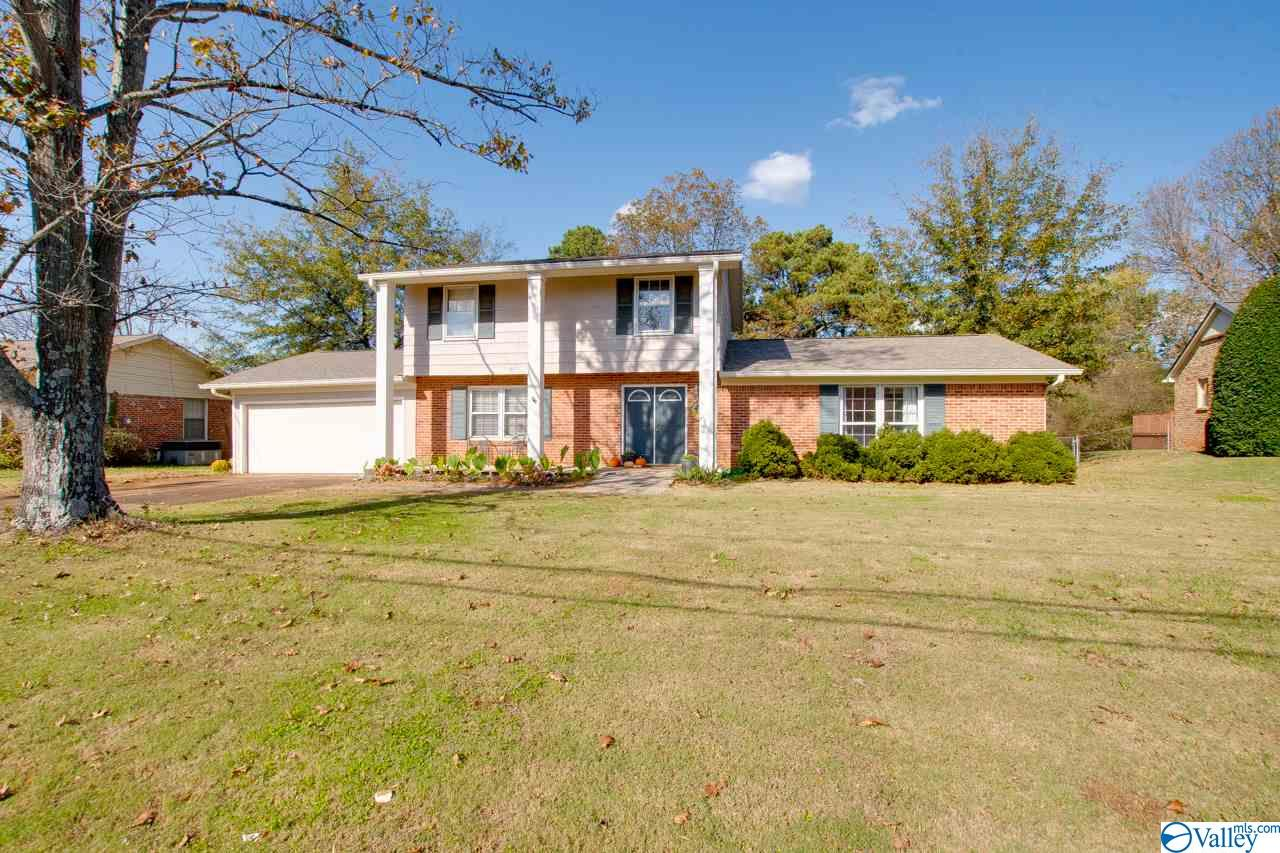 Photo of home for sale at 9007 Randall Road, Huntsville AL