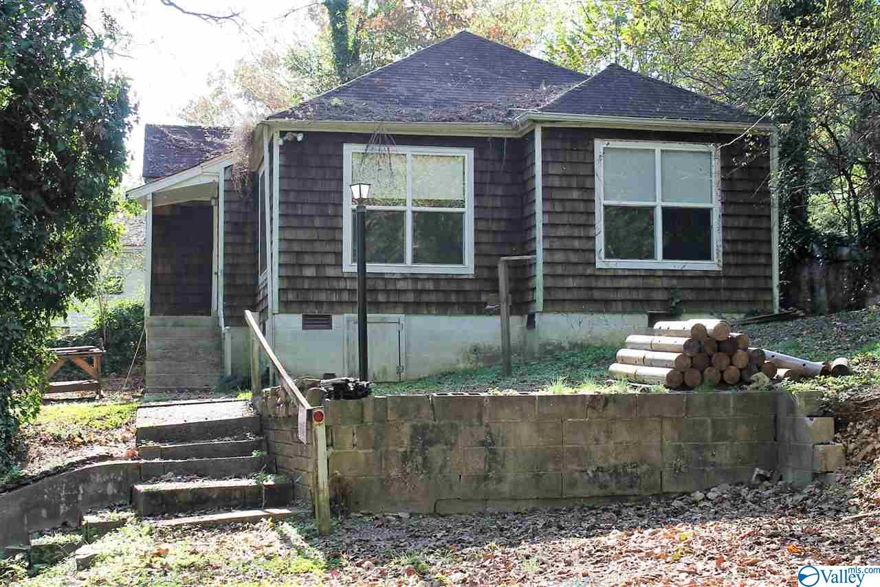 Photo of home for sale at 102 Rainbow Drive, Fort Payne AL