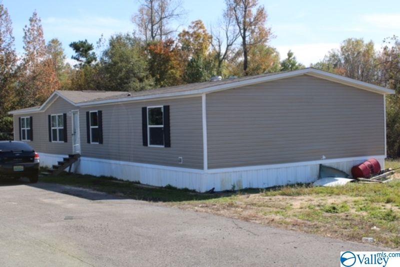 Photo of home for sale at 2930 Wills Creek Road, Gadsden AL