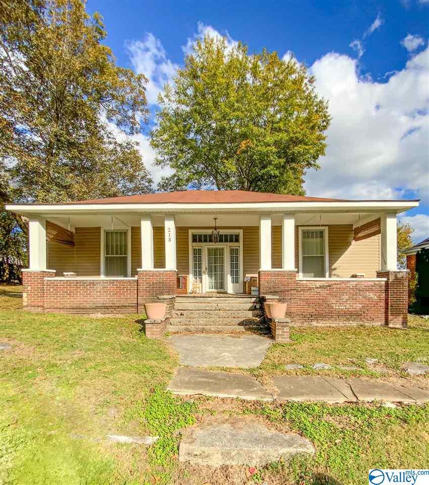 Photo of home for sale at 213 Church Street, Stevenson AL