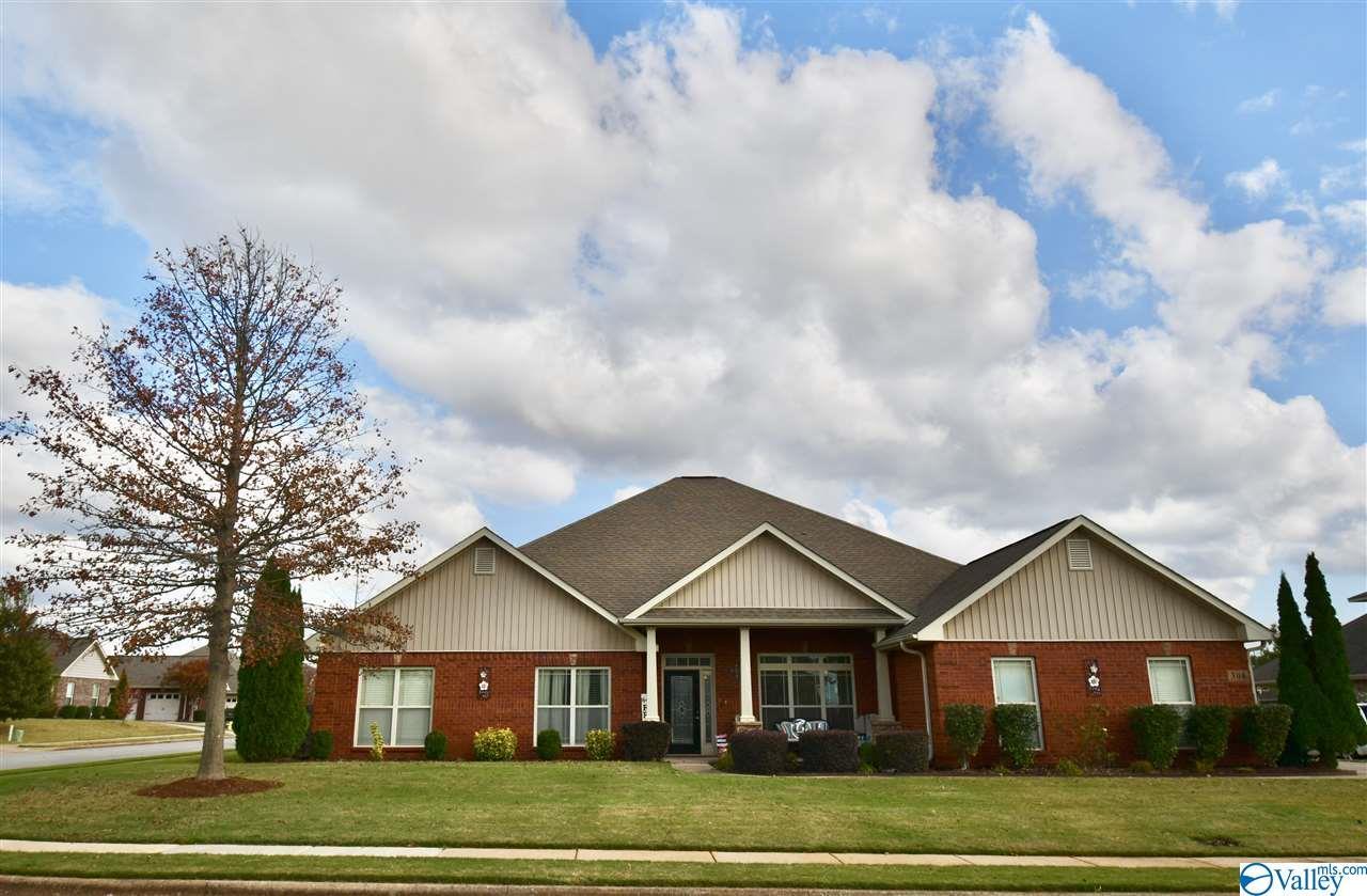 Photo of home for sale at 308 Summerglen Road, Madison AL