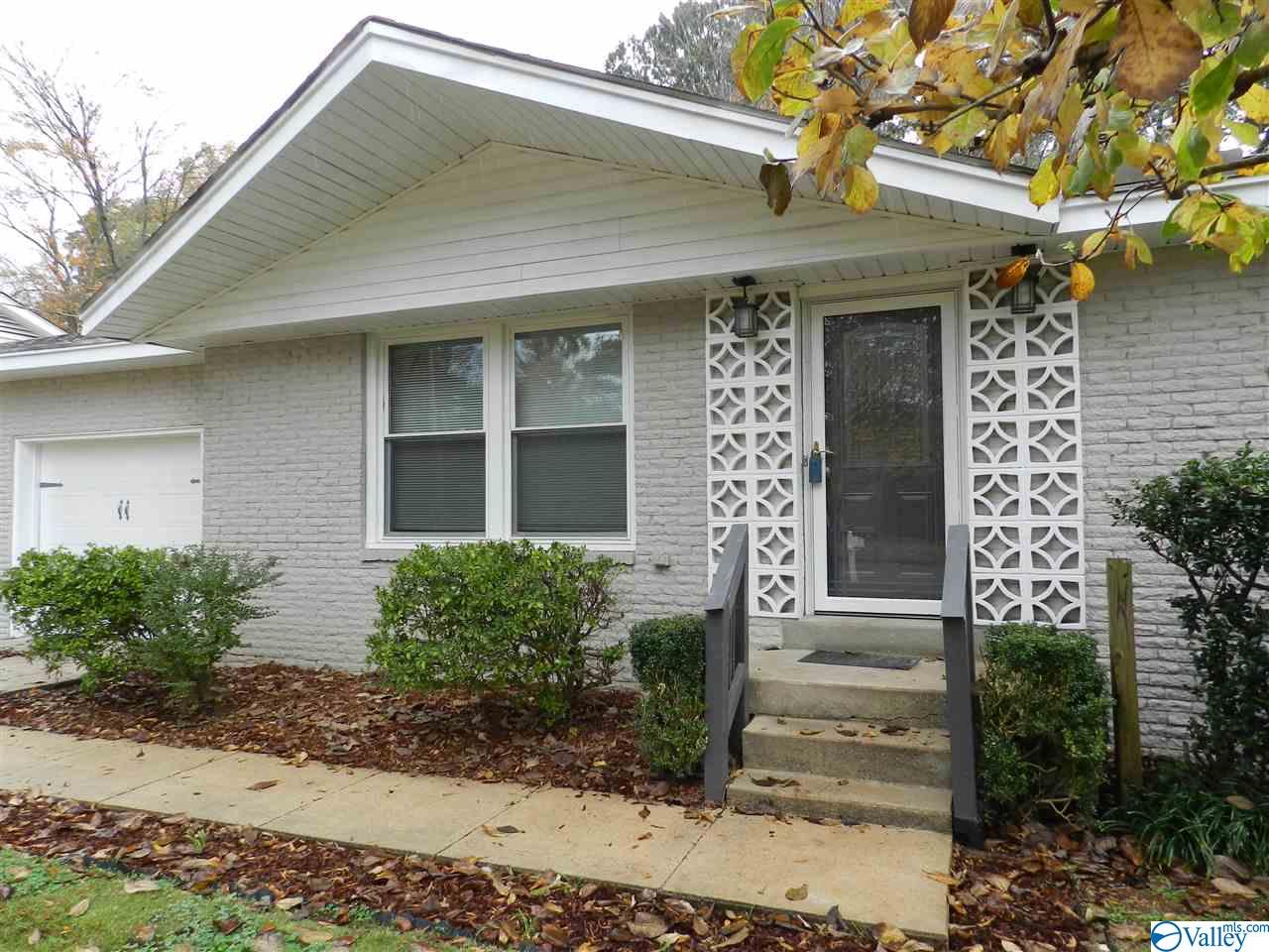 Photo of home for sale at 7813 Perry Street, Huntsville AL