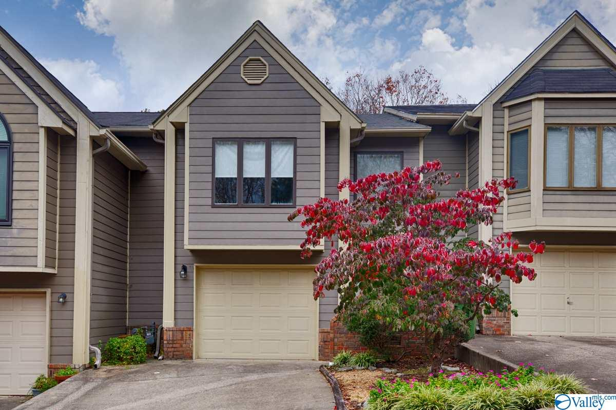 Photo of home for sale at 312 Treetop Drive, Huntsville AL