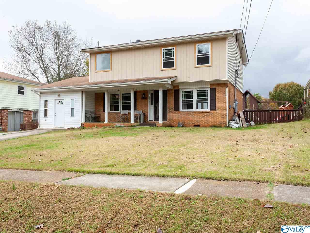 Photo of home for sale at 2519 Greenhill Drive, Huntsville AL