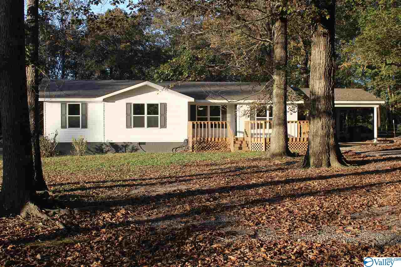 Photo of home for sale at 509 County Road 159, Moulton AL