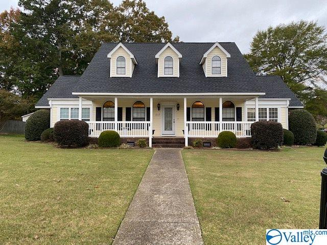 Photo of home for sale at 217 Collier Drive, Albertville AL