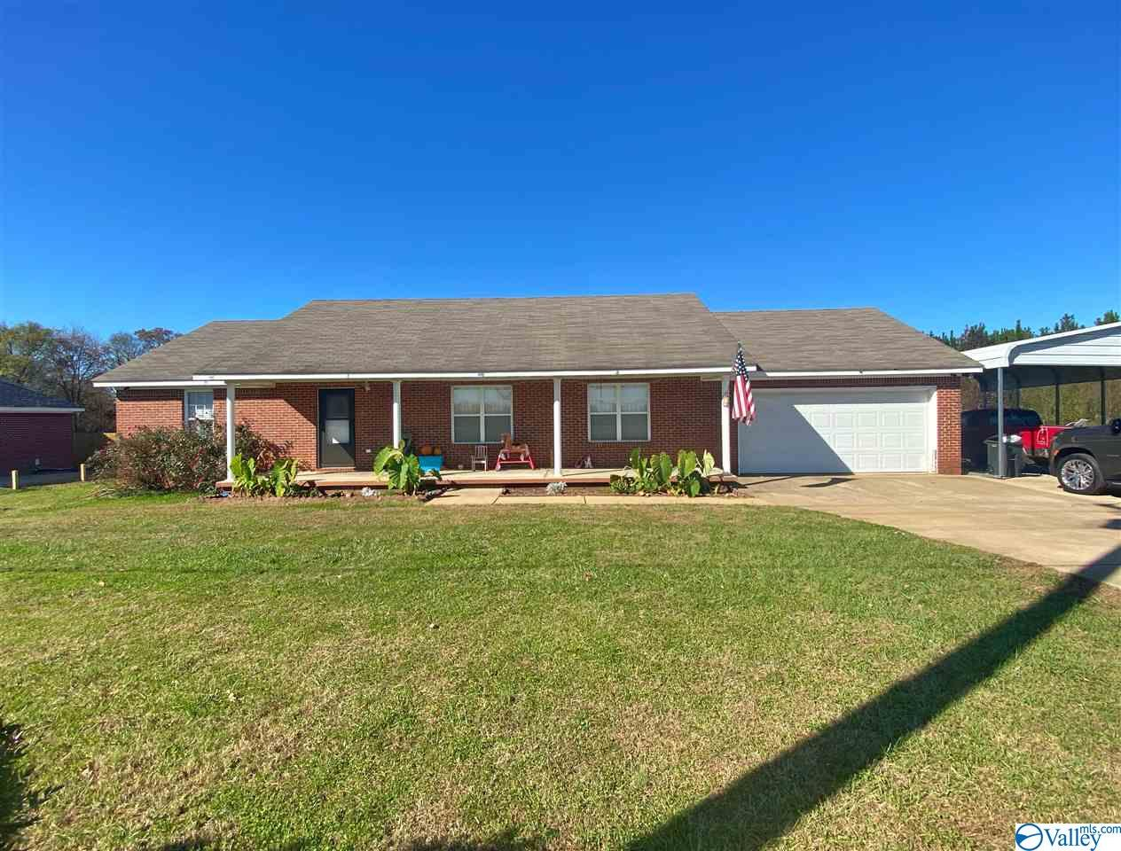 Photo of home for sale at 26119 Salem Minor Hill Road, Lester AL