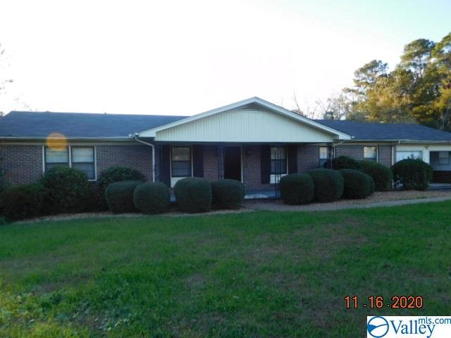 Photo of home for sale at 205 Country Club Drive, Gadsden AL