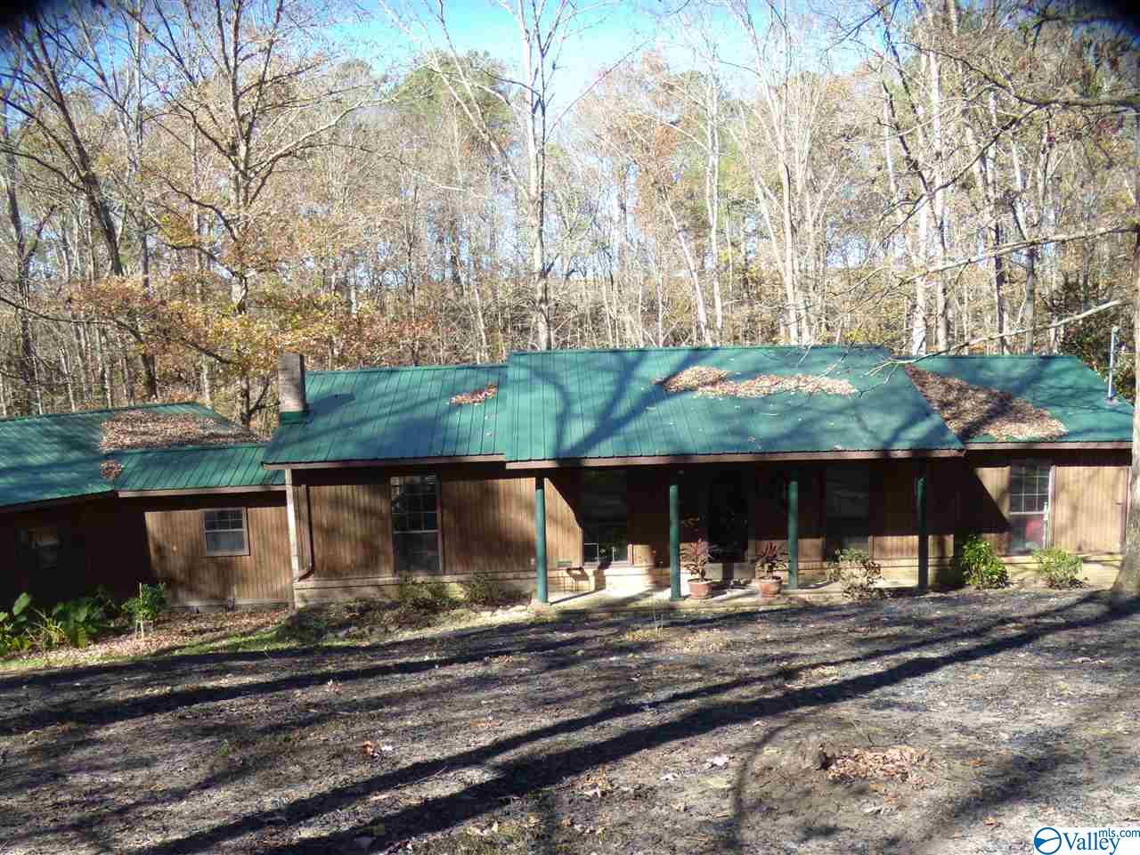 Photo of home for sale at 461 County Road 1486, Cullman AL
