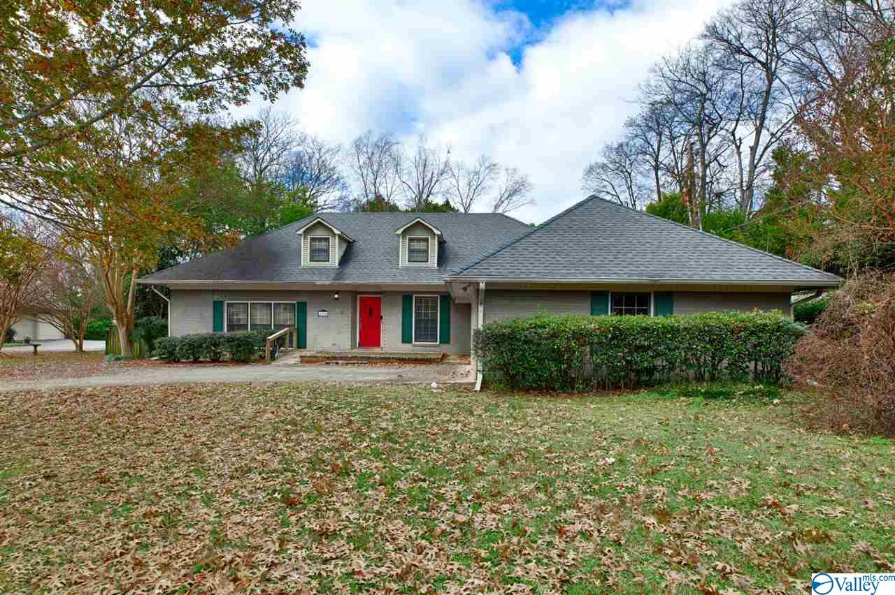 Photo of home for sale at 2102 Gill Street, Huntsville AL