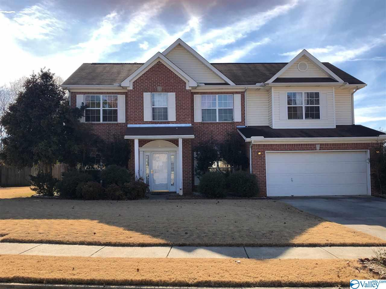 Photo of home for sale at 223 Horseshoe Bend, Madison AL