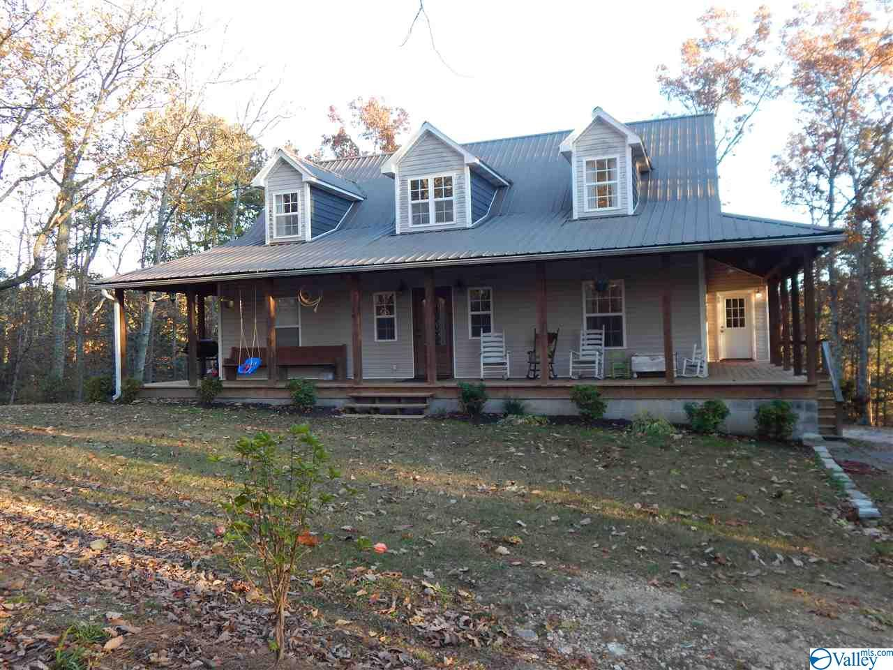 Photo of home for sale at 42526 US Highway 11, Valley Head AL