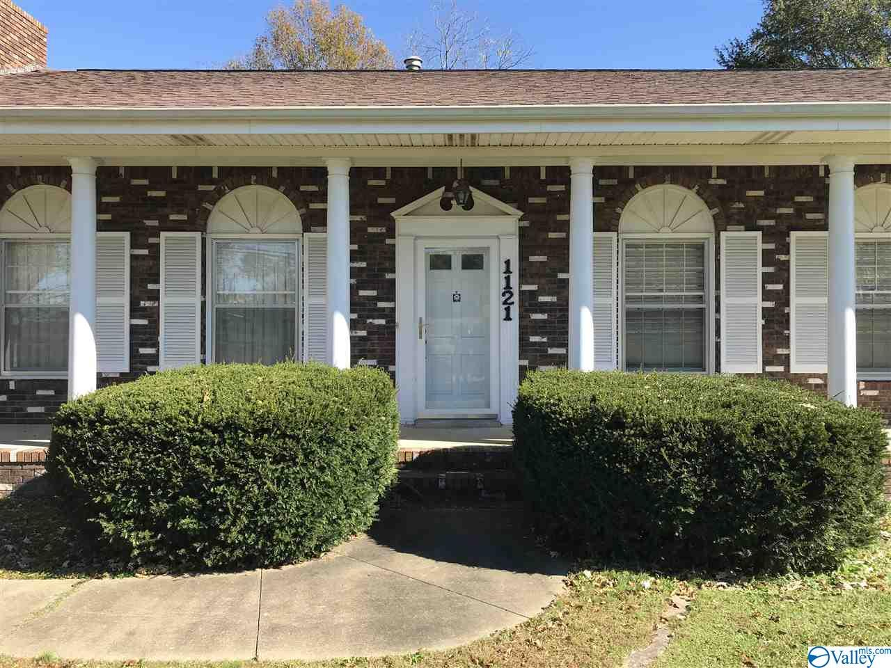 Photo of home for sale at 1121 Alabama Hwy 205, Boaz AL