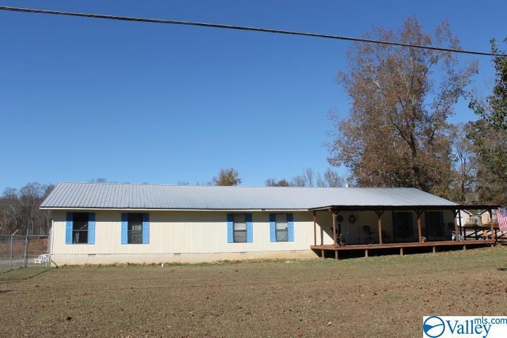 Photo of home for sale at 19976 Alabama Highway 75, Henagar AL