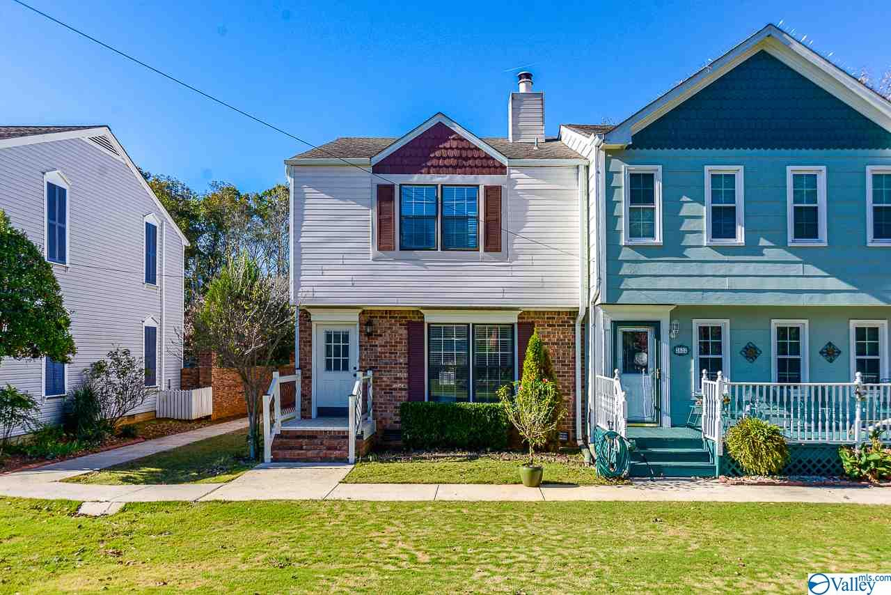 Photo of home for sale at 2624 Whitesburg Drive, Huntsville AL