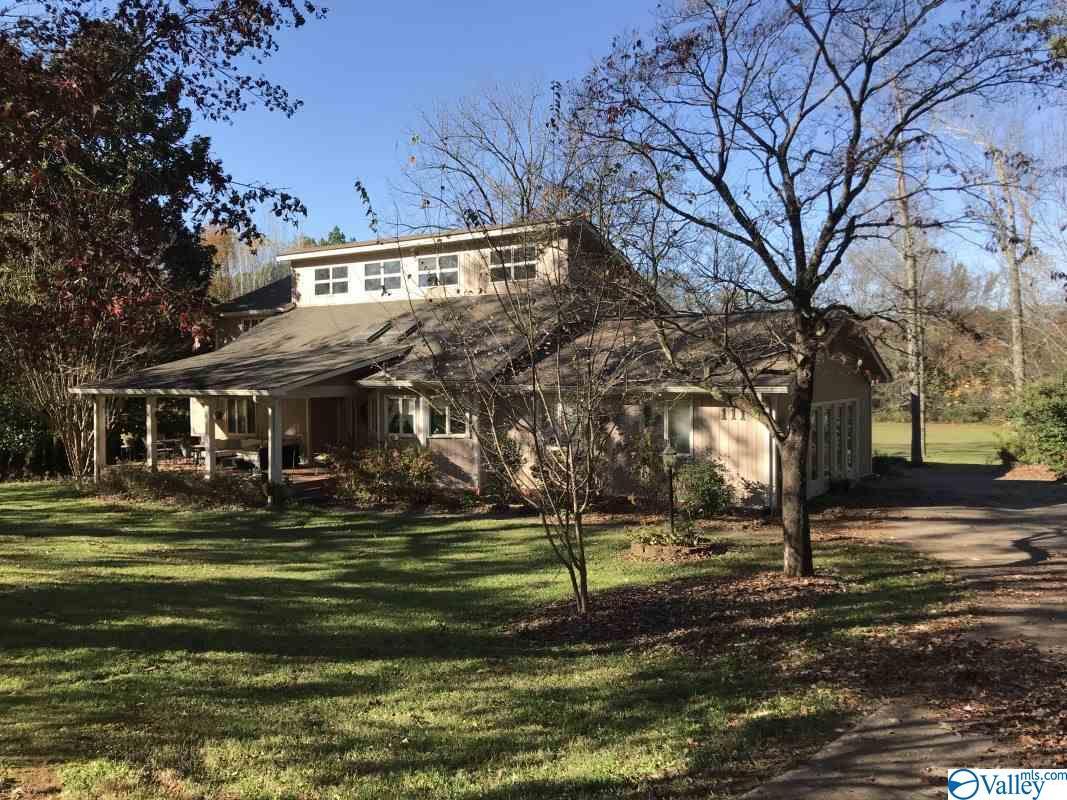 Photo of home for sale at 111 Hunter Brown Road, Huntsville AL
