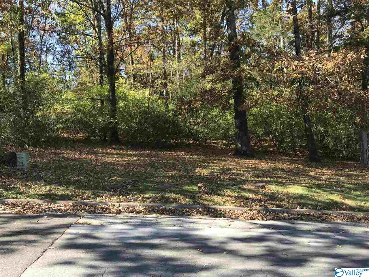 Photo of home for sale at 3629 Crestview Drive, Huntsville AL