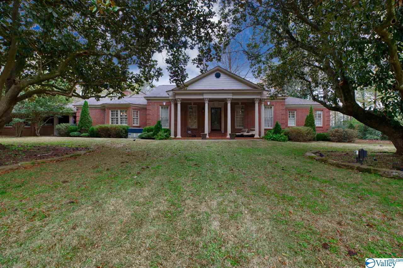 Photo of home for sale at 161 Poplars Drive, Moulton AL