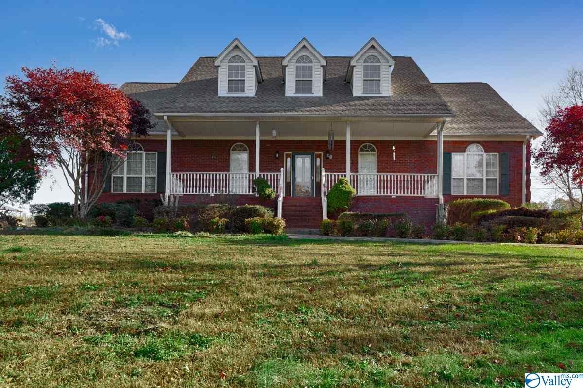 Photo of home for sale at 1276 Highway 67, Blountsville AL