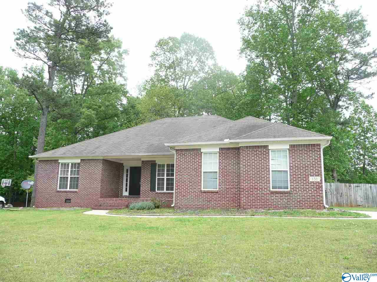 Photo of home for sale at 131 Mossy Branch Drive, Harvest AL