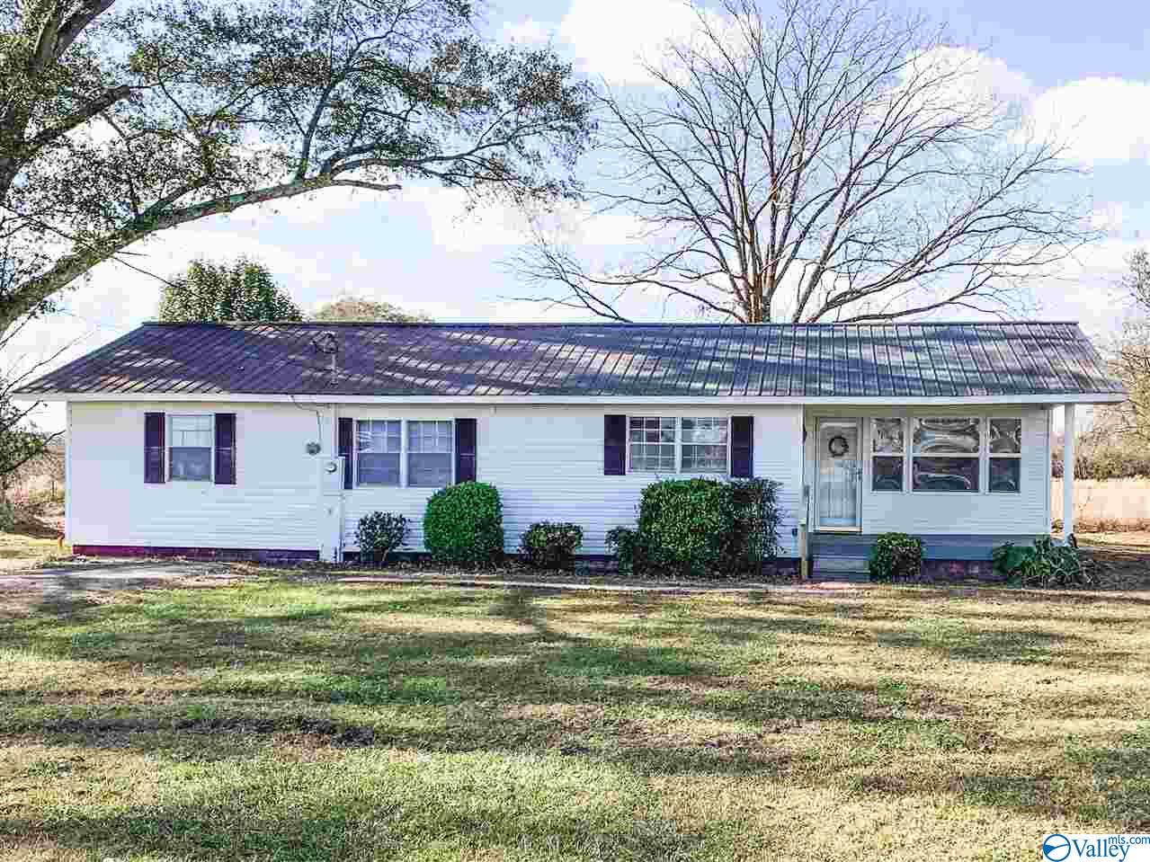 Photo of home for sale at 1881 Boaz Hwy, Altoona AL