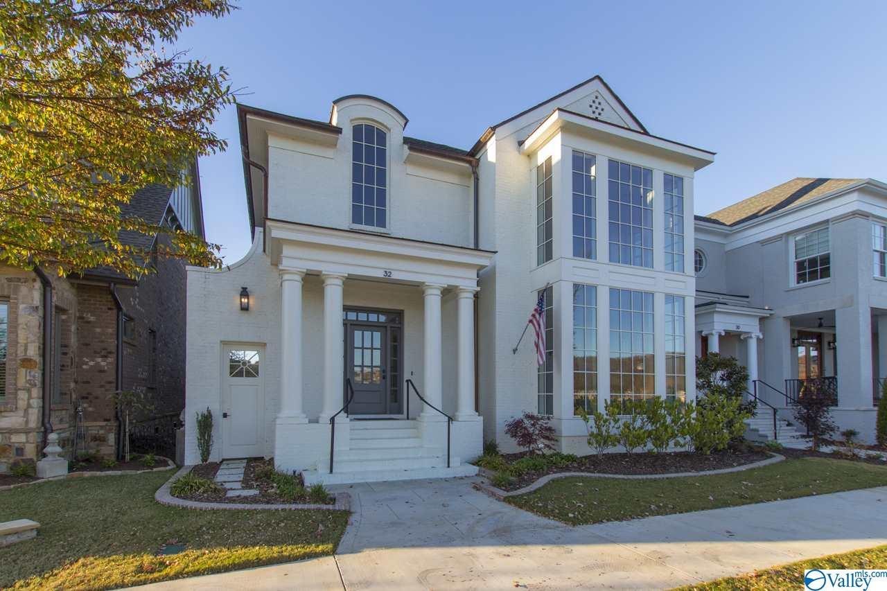 Photo of home for sale at 34 Lendon Park Drive, Huntsville AL