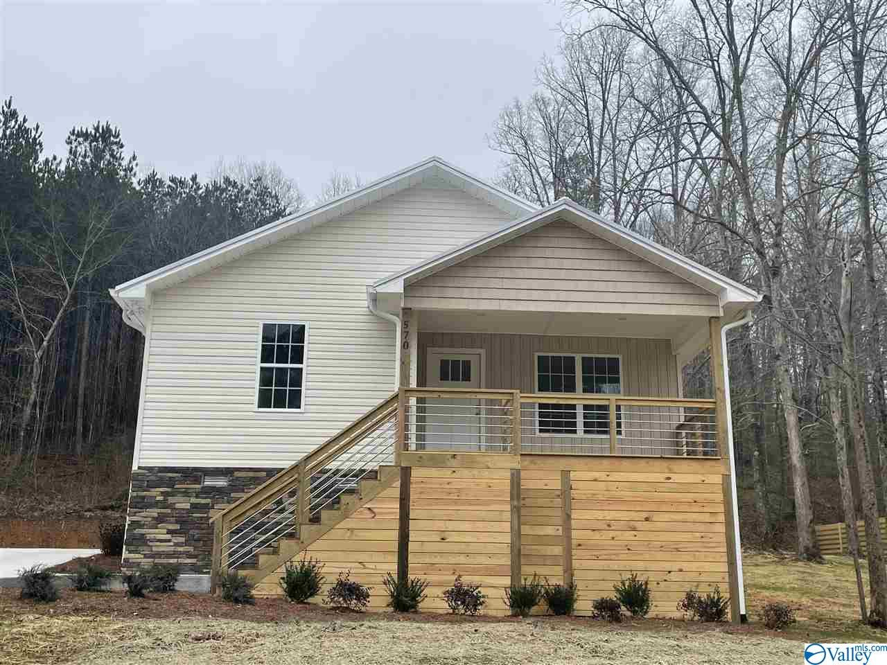 Photo of home for sale at 570 County Road 1169, Cullman AL