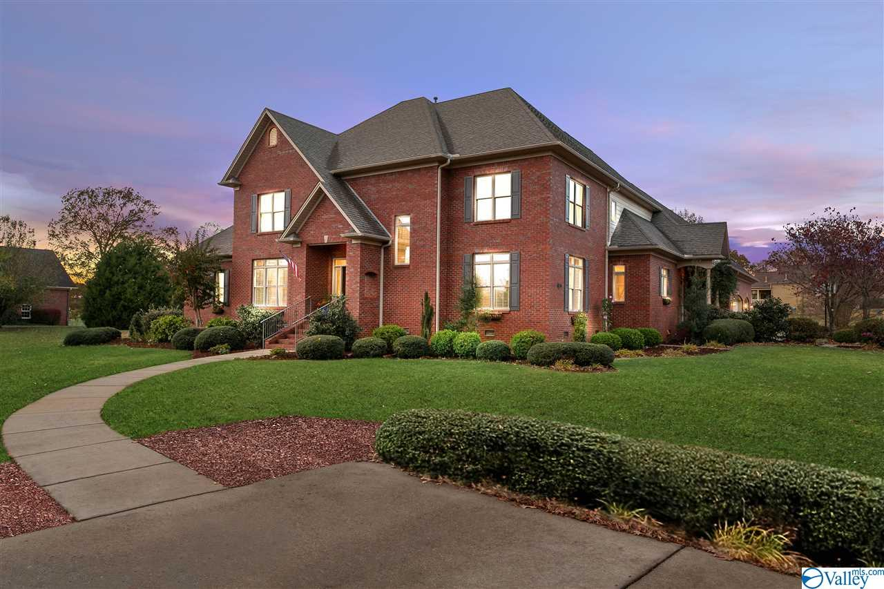 Photo of home for sale at 1087 Rountree Place, Madison AL