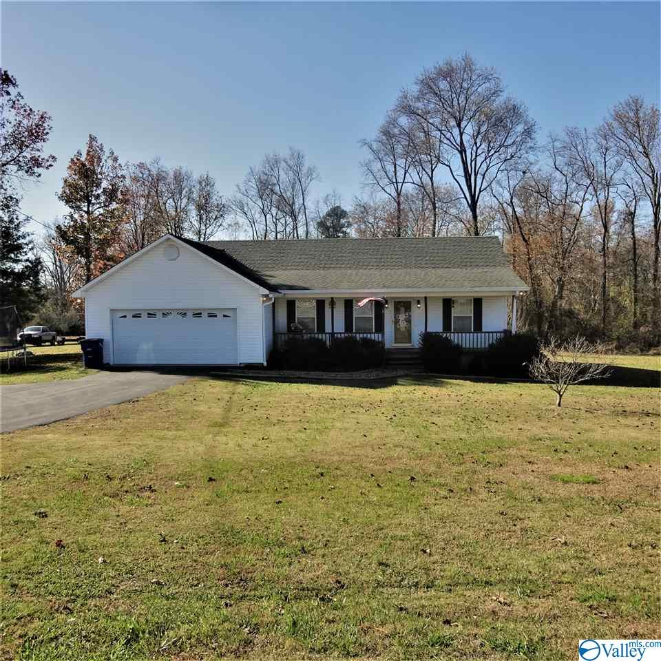 Photo of home for sale at 2167 County Road 180, Rainsville AL