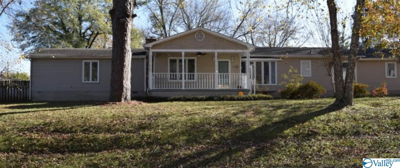 Photo of home for sale at 203 Ruby Street, Bridgeport AL