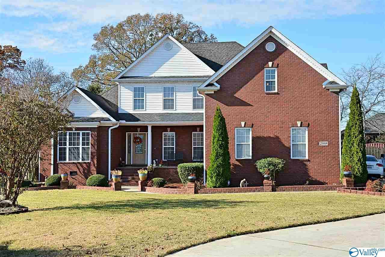 Photo of home for sale at 25814 Cobblestone Lane, Athens AL